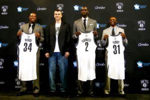Il proprietario dei Brooklyn Nets, Mikhail Prokhorov, alla presentazione di Paul Pierce, Kevin Garnett e Jason Terry nel 2013
