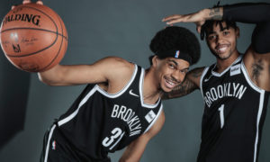 Jarrett Allen (a sinistra) e D'Angelo Russell, i volti dei nuovi Brooklyn Nets